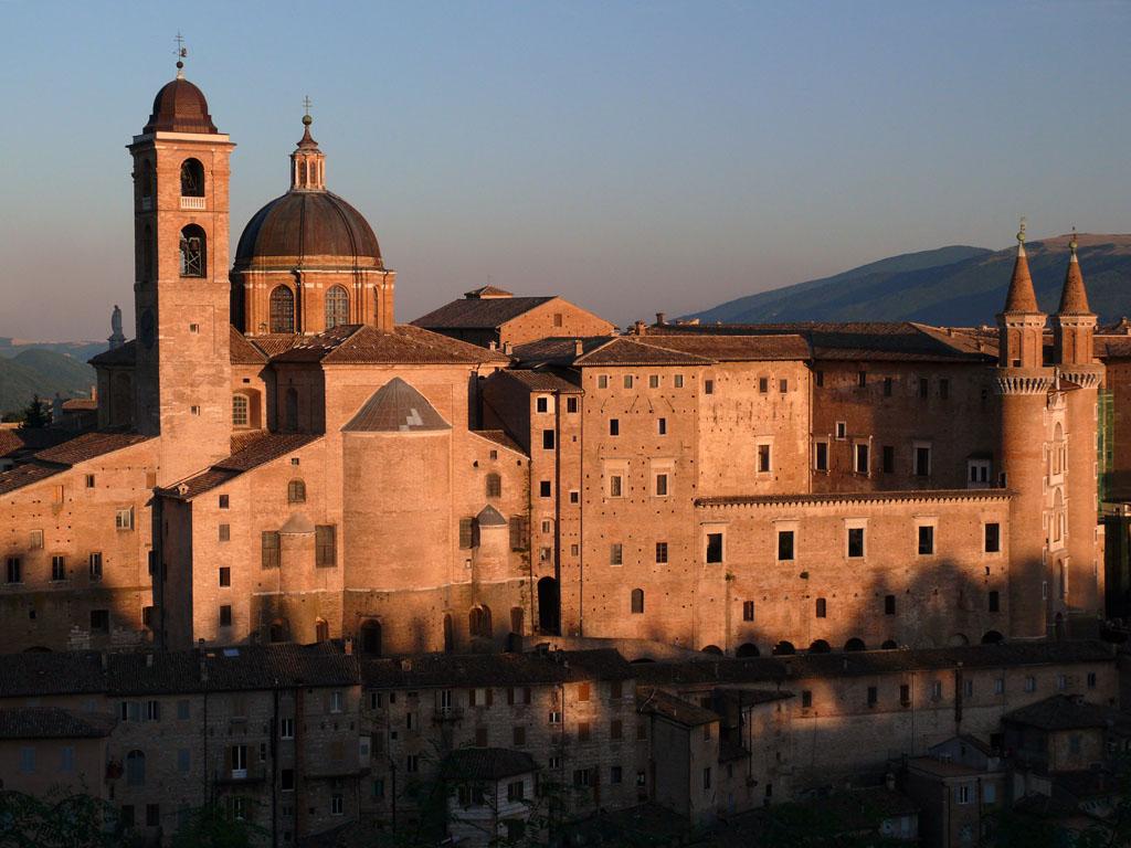 Urbino al tramonto